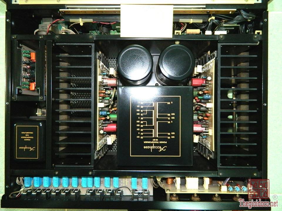 Ampli ACCUPHASE E-406 (2).jpg