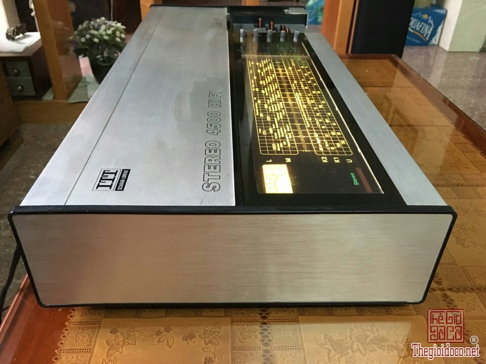 Ampli Made In Germany ITT 4500 (3).jpg