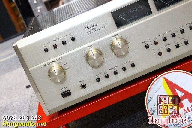 Amply Accuphase E303 (2).jpg