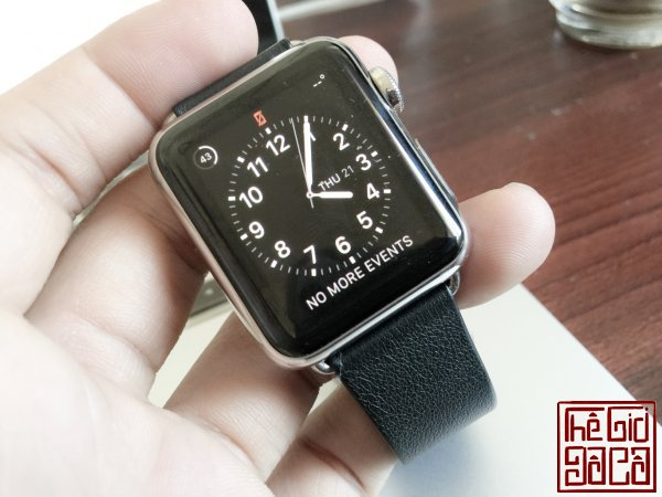 ban-apple-watch-black-modern-buckle-3.jpg