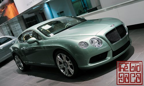bentley-continental-gt-v8-mau-doc-tai-ha-noi-2.jpg