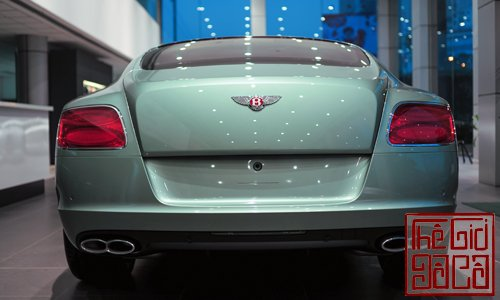 bentley-continental-gt-v8-mau-doc-tai-ha-noi-4.jpg
