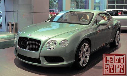 bentley-continental-gt-v8-mau-doc-tai-ha-noi.jpg