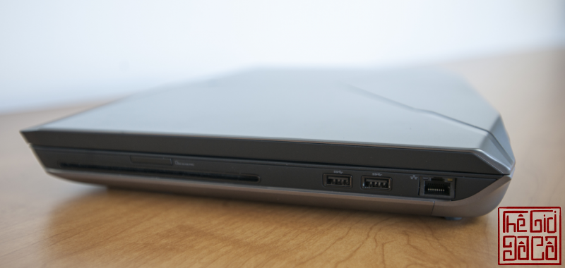 can-ban-alienware-m17-r2-2.png