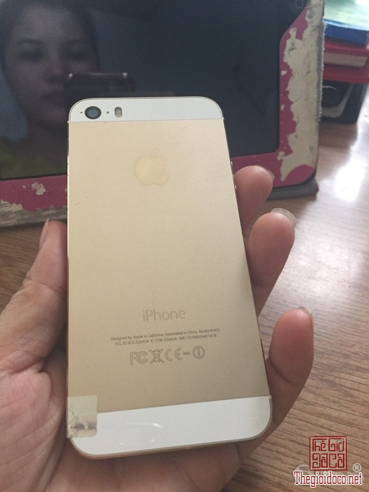 [dien.thoai]iPhone5s.16gb-do.xua-do.la-02.jpg