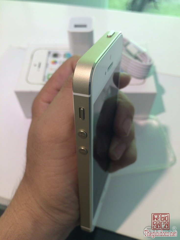 [dien.thoai]iphone5s.gold-do.xua-do.la-05.JPG