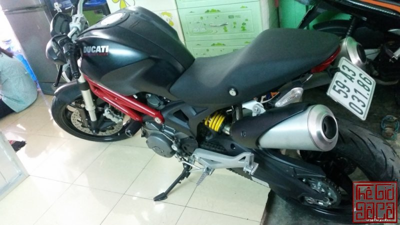 ducati-monster-795-xe-9-chu-it-di-odo-moi-4000km-2.jpg