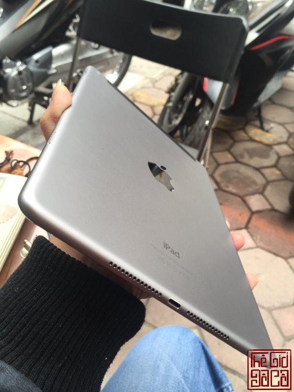 ipad air 2 grey (3).jpg