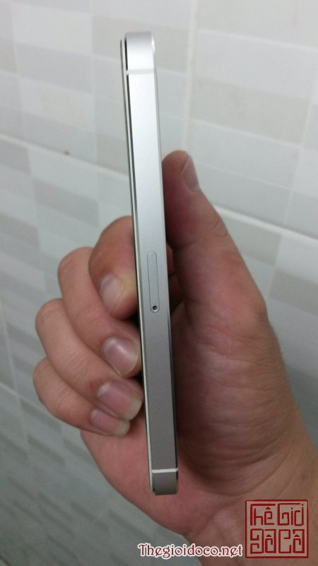 iphone 5 trang 64gb (4).jpg