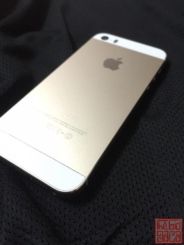 iphone 5s gold (2).jpg