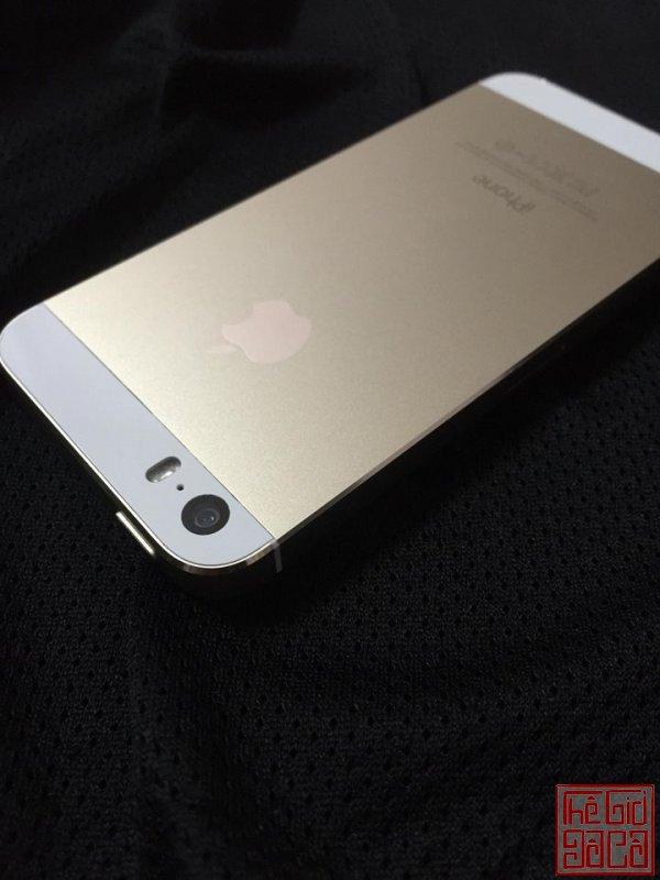 iphone 5s gold (4).jpg