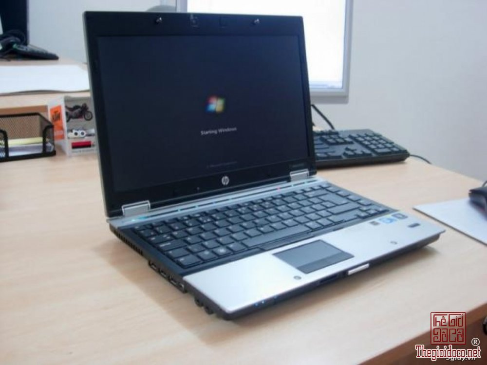 laptop hp 8440p.jpg