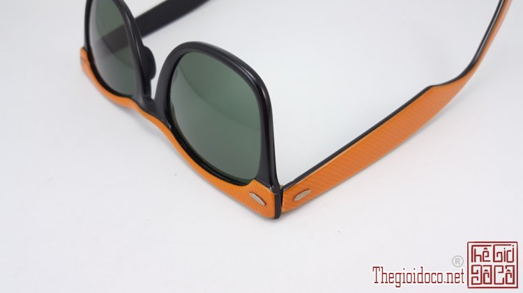 [mat.kinh]mat.kinh.ray.ban-do.xua-do.co-0.jpg