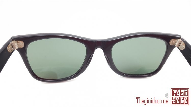 [mat.kinh]mat.kinh.ray.ban-do.xua-do.co-04.jpg