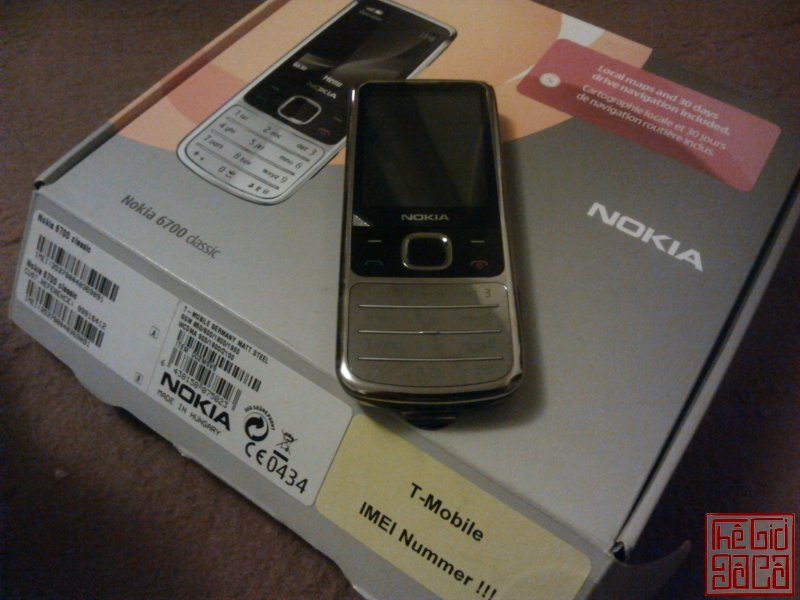 motrola-v3-v3i-gold-d-g-full-box-nokia-6700-sliver-full-box-28.JPG