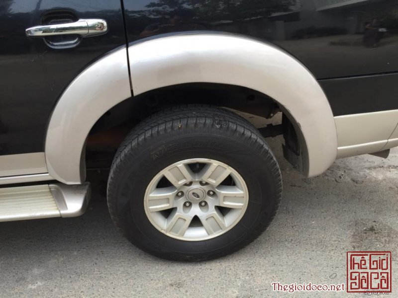 [o.to]ford.everest.2007-02.jpg