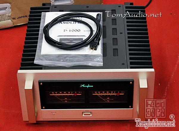 Pow Accuphase P-1000  (2).jpg
