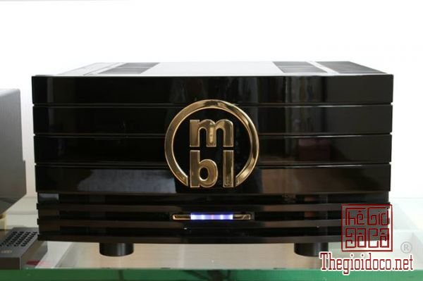 power amplifier MBL Reference 9007 monostereo power amplifier (4).jpg