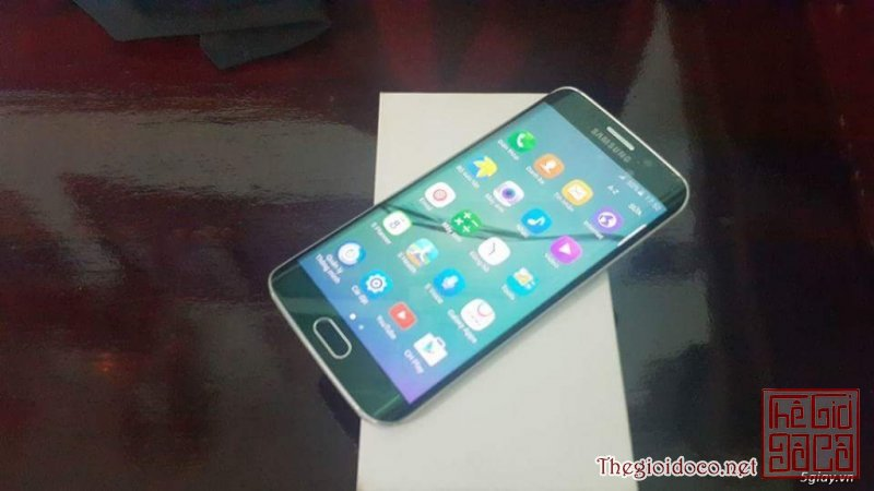 [smart.phone]galaxy.s6.edge.xanh.luc.64gb-01.jpg