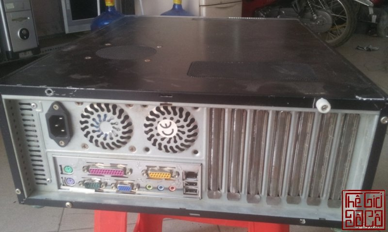 thung-may-tinh-pentium-4-2-4ghz-ram-2gb-hdd-200gb-sieu-ben-ban-re-550-ngan-2.jpg