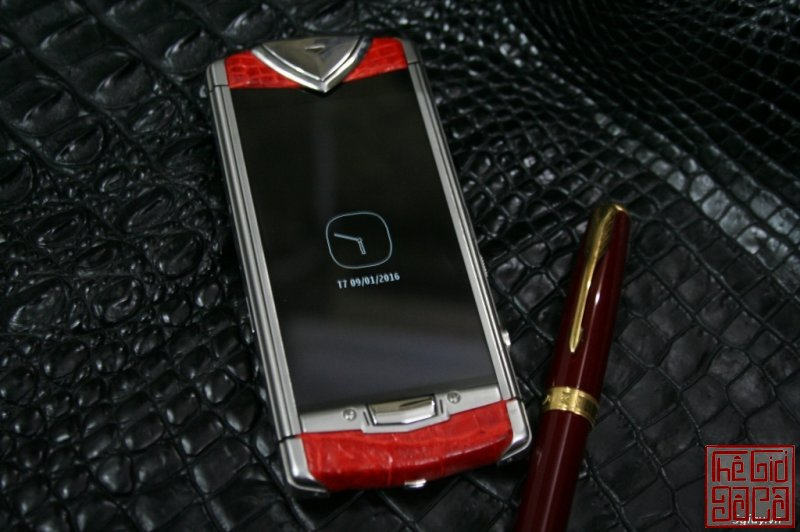 vertu-constellation-touch-da-ca-sau-do-5.JPG