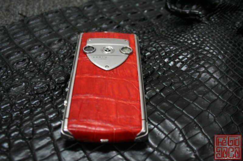 vertu-constellation-touch-da-ca-sau-do-6.JPG