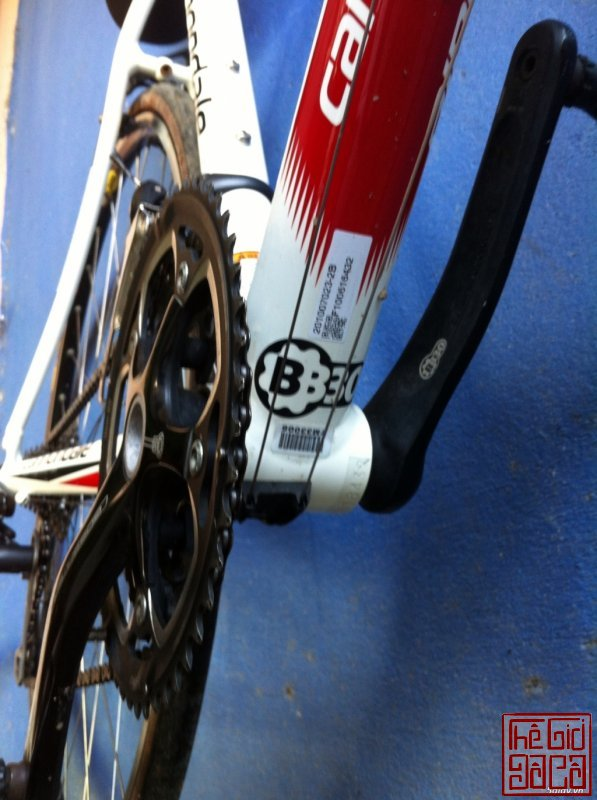xe-dap-cuoc-the-thao-road-cannondale-caad8-5-105-ban-nhanh-4.jpg