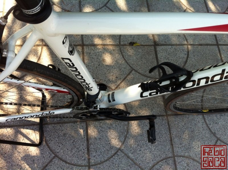 xe-dap-cuoc-the-thao-road-cannondale-caad8-5-105-ban-nhanh-5.jpg