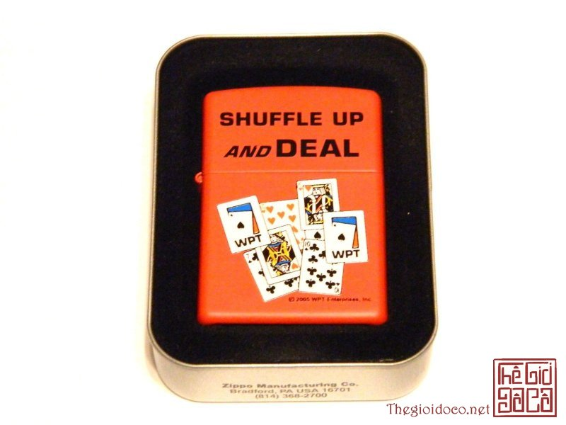 ZIPPO_WPT-SHUFFLE UP AND DEAL.jpg